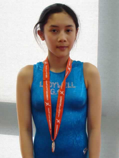 Quynh with her Gold Medal